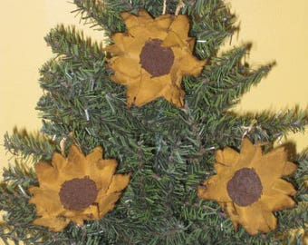Primitive Hanging Sunflowers - Set of 3 - Country Primitive - Grungy Fabric Small Sunflowers - Mini Ornaments - Spring/Summer/Fall Decor