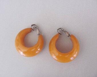 Vintage Bakelite Earrings, Butterscotch Bakelite, Clip Earrings