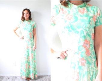 20% OFF JULY 4th SALE Vintage tropical Hawaiian floral maxi dress // green floral garden dress // short sleeve summer high neck dress // mod