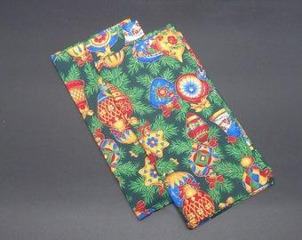 Ornaments on Christmas Tree, Christmas Dinner Napkins, Holiday Napkins, Hostess Gift, Christmas Gift, Christmas Wedding Gift