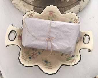 Vintage Shabby Footed Soap Dish