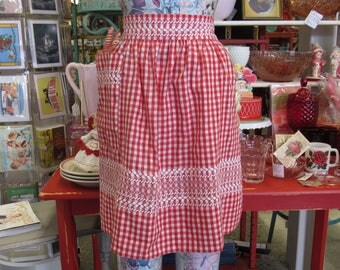Vintage Red and White Gingham Half Apron with Rick Rack Accents (E7214)