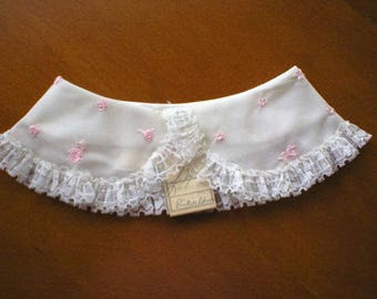 Vintage Lace Child's Collar, Peter Pan Style ~ White Lace With Small Pink Roses ~Never Worn With Original Store Tag