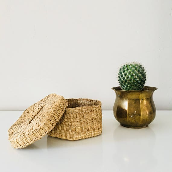 Vintage Woven Grass Basket Hexagon Shaped Sweetgrass Basket with Lid Small Woven Container
