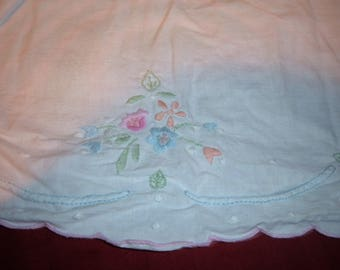 """Vintage White Full Bed Skirt with Pink, Blue, Green, Coral Embroidered Design-15"""" Drop"""