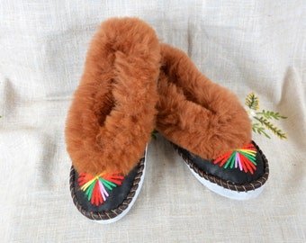 Warm leather slippers shoes SIZE 6.5 womens slippers sheepskin slippers leather embroidered moccasins woomen moccasin slippers shoes