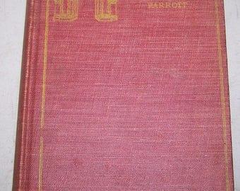 """Antique Gateway Series William Shakespeare's """"MACBETH"""" Hardcover Book"""