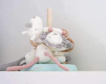 Rattle baby crochet. Baby toy. Baby Shower gift. Baby Teething toy. Crochet rattle. Crochet toy. Newborn gift. Rassel Häkeln. Sonaglio.