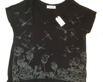 SALE - Oversize Tee |  Womens tshirt |  victorian city top | black Tshirt |  drape tee