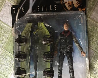 The X-files Series 1 Fox Mulder Action Figure with Corpse by Elektra UFO Aliens Fight The Future