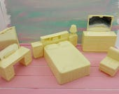 Eagle Toy Canada Bedroom Doll house furniture  Rare White Bed Lamp Vanity Dresser Chair