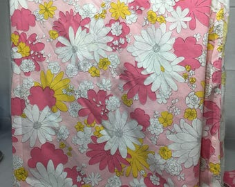 Vintage floral twin flat sheet with pink, yellow, white daisies, bedding, linens, flower power, sheet, Cannon