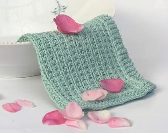 Hand knitted dish cloth - wash cloth - soft cotton mint green