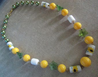 Sunflower Necklace Yellow White Spring Summer 18 Inch Green Leaves Gold Lobster Claw Glass Pearls Acrylic Beads Glass Sunflower Beads