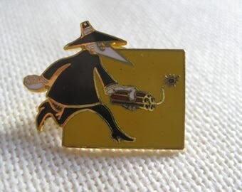 Vintage RARE Spy vs. Spy Pin