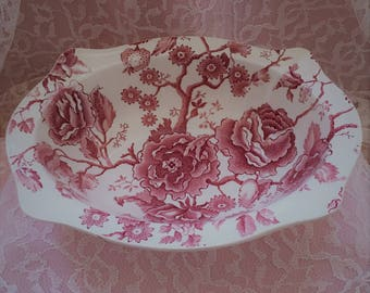 Johnson Brothers English Chippendale Vegetable Bowl ~~ Red/Pink Transferware ~~ Johnson Brothers #103232