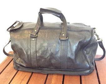 15%OFF VACATION SALE Great Vintage Black Leather Duffle Bag Weekend Bag Carry On Made in Colombia