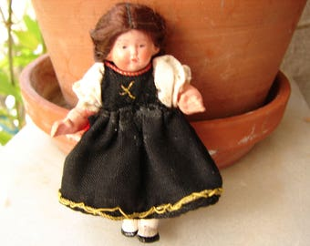 Tiny,vintage French doll,plastic dollshouse doll with articulated arms & legs,brown plaits,blue dress