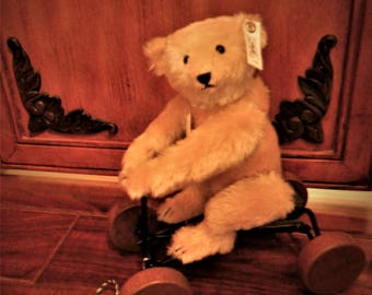Steiff Pull Toy Record-  Teddy Bear  1927 Replica German Collectible Limited Edition Doll Automatic Voice  & Jointed
