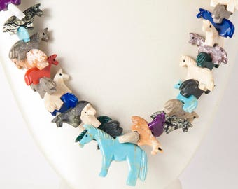 Vintage Necklace - Vintage Zuni Natural Stone Carved Horse Fetish Necklace