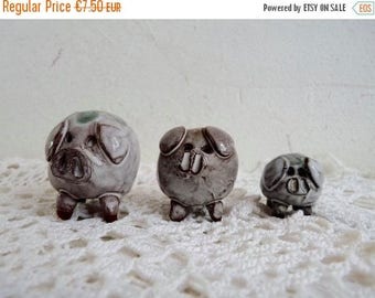 Sale 70 % Off Vintage Set of 3 LITTLE PIGS, Made by the ARK Pottery in East Devon, in England.