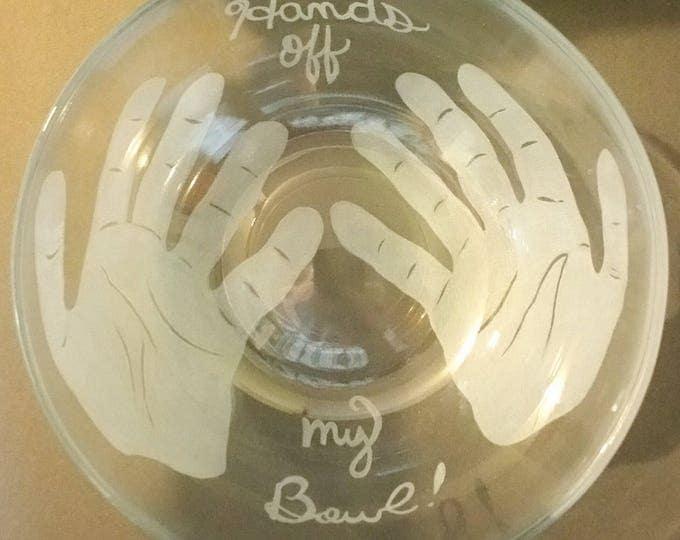 Hand engraved 3 qt Pyrex bowl