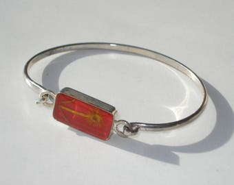 Vintage Silver Tone Red Dried Flower Bangle Bracelet - Costume Jewellery - 1970s