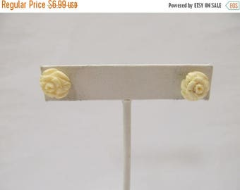 ON SALE Vintage Carved Floral Earrings Item K # 2187