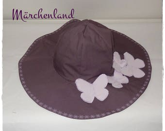 Summer hat for women in aubergine and purple cotton decorated with purple butterflies