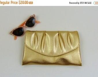 SALE Vintage Clutch | 1960 | Gold Vinyl Clutch