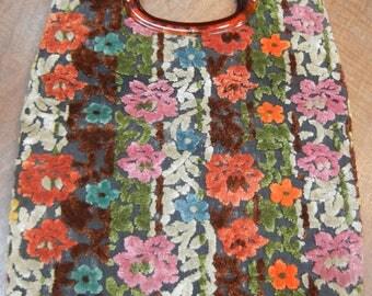 1970s carpet bag - chenille - velvet floral purse - plastic handle -groovy carpet bag