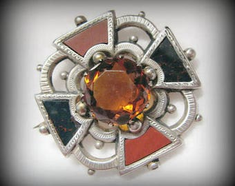Victorian BLOODSTONE and Red Agate Brooch with Glass Citrine Center -- Excellent Condition, Gorgeous Detail