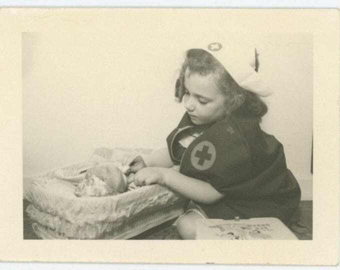 Vintage Snapshot Photo: Young Nurse, c1940s (79605)