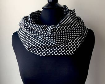 SALE! Black and White Geometric Checkered Scarf, Cowl