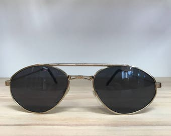 Gold or black small aviator look vintage sunglasses
