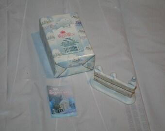 "Rare 1992 Precious Moments Sugar Town #529435 ""Fence w/ Bird"" Figurine Enesco Corporation / Made in Thailand"