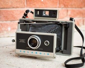 Polaroid 330 Instant Film Camera