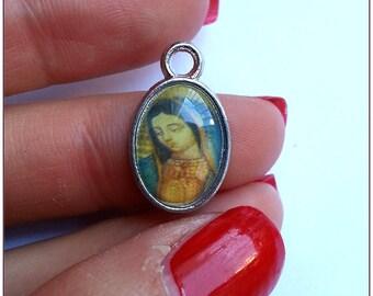 "Charm pendant religious Medallion ""pattern 4"" x 1"