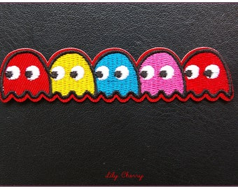 Embroidered patch fusible ghost game pac man 80's video x 1