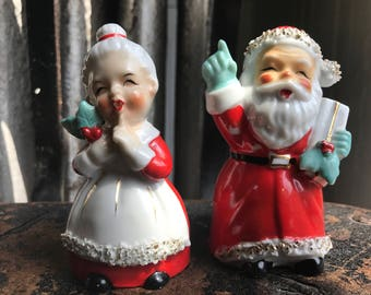 1940s Santa Claus and Mrs. claus salt-and-pepper shakers Japan