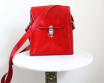 1960s red patent purse // 1960s red purse // vintage purse