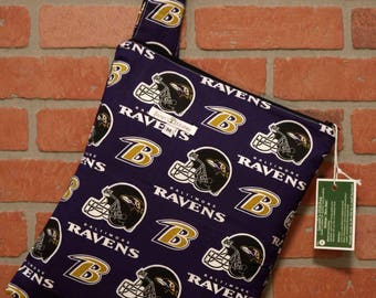 Cloth Diaper Wetbag, Ravens, Pail Liner, Diaper Bag, Day Care Size, Holds 5 Diapers, Size Medium with Handle item #M143