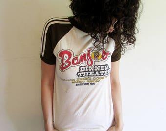 Vintage 70s Distressed Banjos Dinner Theater Cousin Zekes Countyr Music Show Branson Missouri Baseball Tshirt