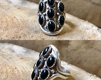 Native American sterling silver onyx vintage cluster saddle southwestern boho bohemian southwest black stone ring size 7.75