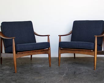 Pair (2) Of Mid Century Modern Arm / Lounge Chairs Vintage Armchairs