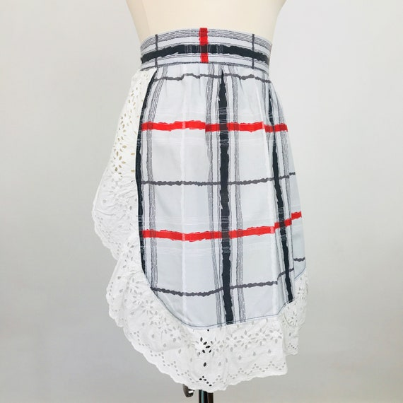 Novelty print cotton apron 50s grey plaid print fun kitchen pinafore half pinny original midcentury sewing 60s gift white embroidery anglais