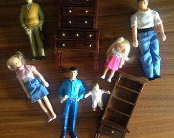 6 Doll House People and furniture