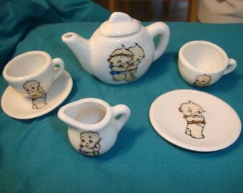 Kewpie Miniature Tea Set