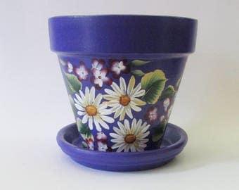 Purple Flower Pot, Hand-painted White Daisy Flowers, 6 inch Terra Cotta Planter, Painted Clay Pot Plant Holder, Floral Patio Garden Decor