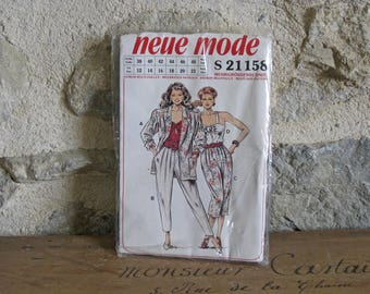 1980s sewing pattern, ladies pleated pants, draped jacket and strappy top, uncut FF in unopened packet